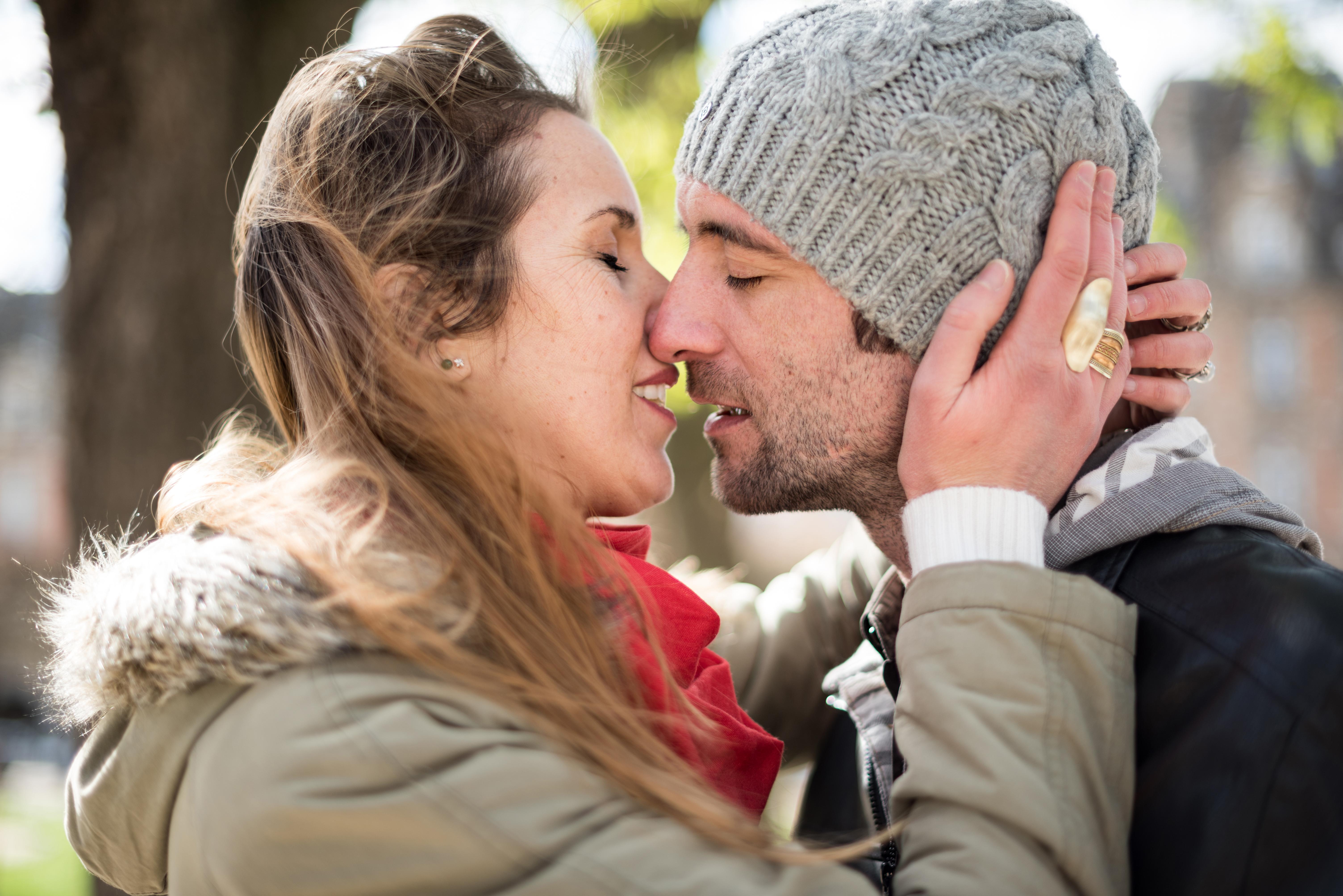 séance-photo-couple-paris-roxane-hennequin-photographe